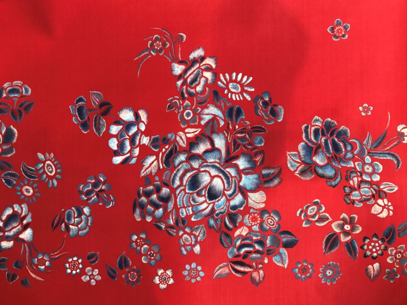 bold red design pattern