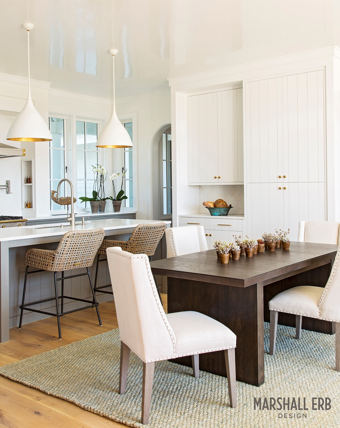 Marshall-Erb-Design-Beach-House-Dining-Kitchen