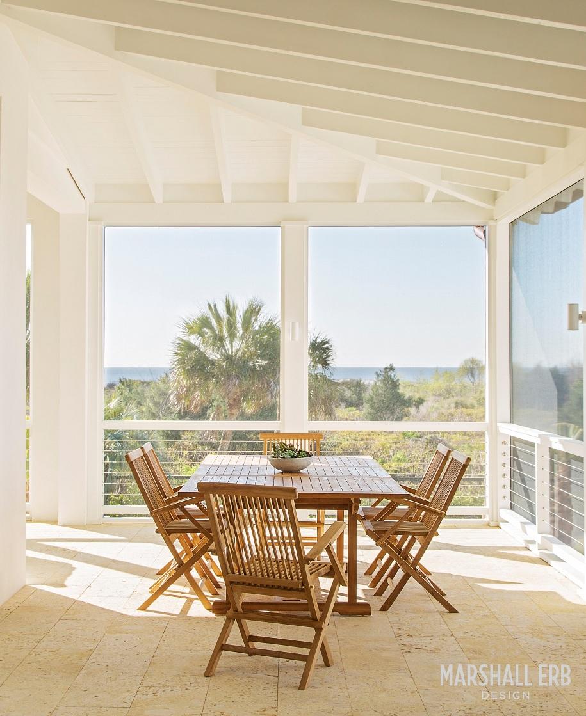 Marshall-Erb-Design-Beach-House-Screen-Patio
